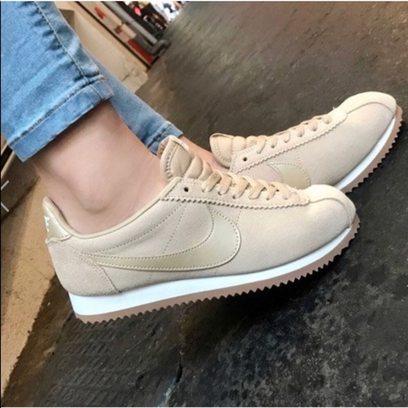 new arrival 00a2b a43c1 NWT Nike Classic Cortez Suede Mushroom WMNS